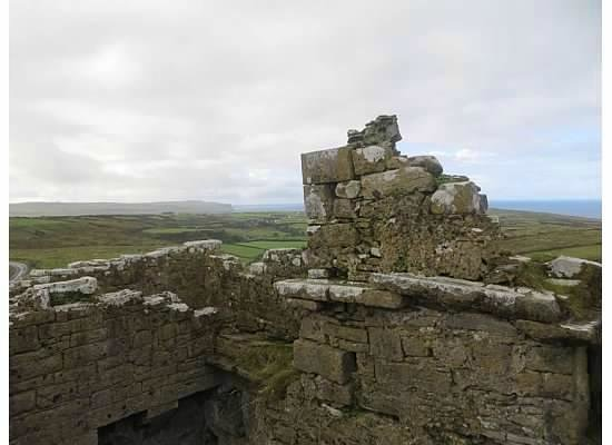 Ballinalacken Castle Country House: View from top of the castle