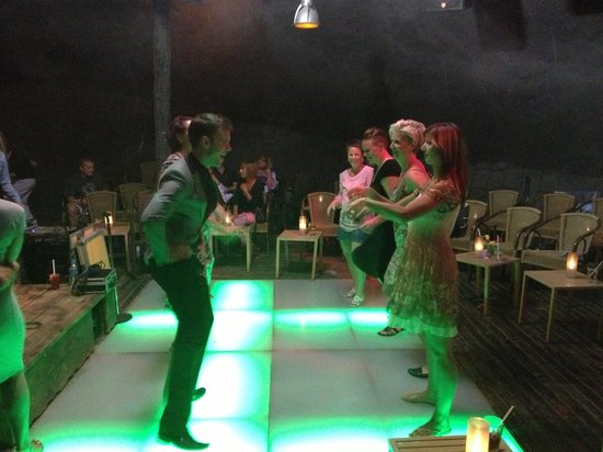 SENTIDO Flora Garden : Dancing in the ship