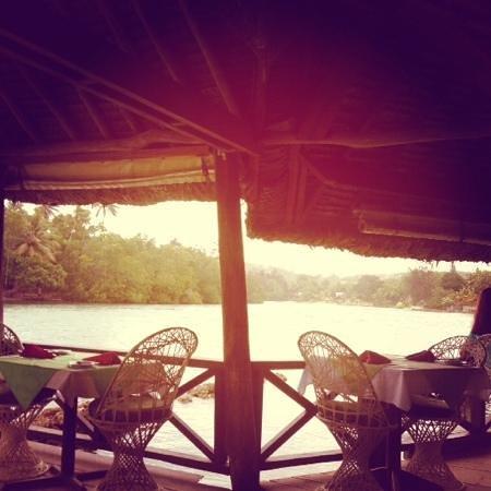 Vila Chaumieres: Lagoon restaurant