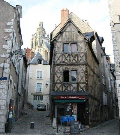 Hotel Anne De Bretagne : Medieval part of Blois