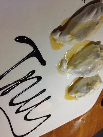 INU Sardinian Wine Bar : crema di ricotta