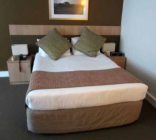 Mercure Perth: Bed