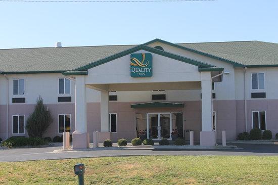 Quality Inn near Fort Riley: Exterior