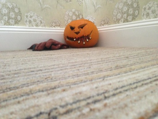 Georgian House Hotel: Watch out for an array of man eating pumpkins around the hotel!
