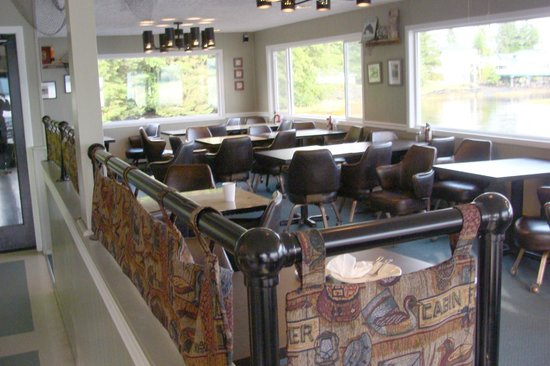 Clover Pass Resort: Diningroom