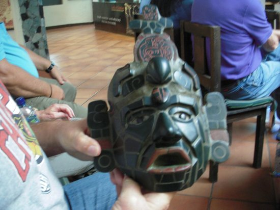 Jade Maya - The Original Jade factory and Museum : a beautiful jade mask