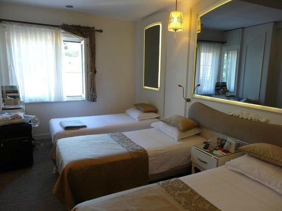 Yasmak Comfort Hotel: chambre pour 3 au 4eme étage