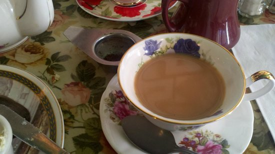 Carry on Tea & Sympathy : Lovely cups.