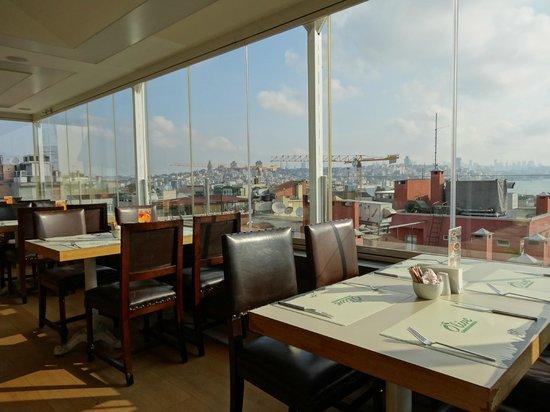 Yasmak Comfort Hotel: restaurant - salle du petit déjeuner