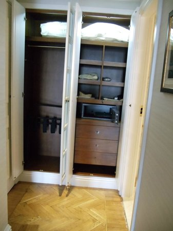 King George, A Luxury Collection Hotel: Grand suite - Closet