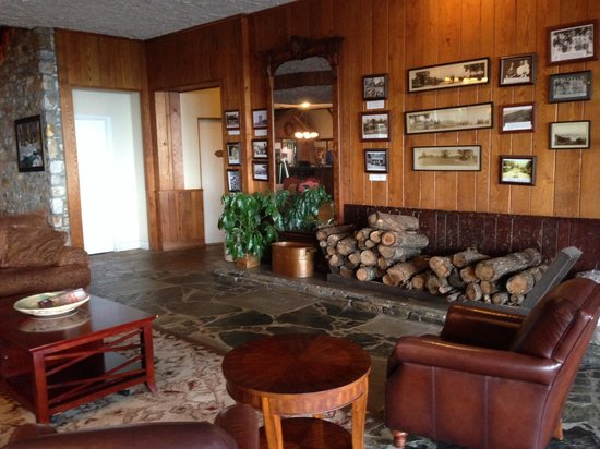 Switzerland Inn: Lobby area