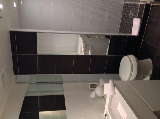 Hotel Zero 1: Salle de bains