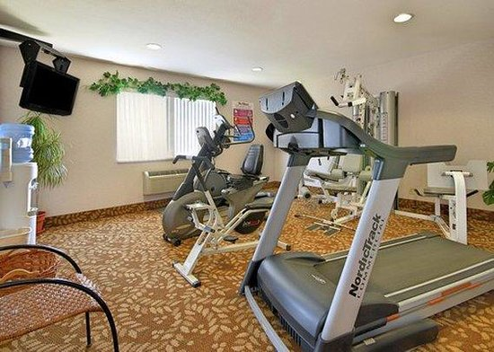 Quality Inn Burlington: fitness center