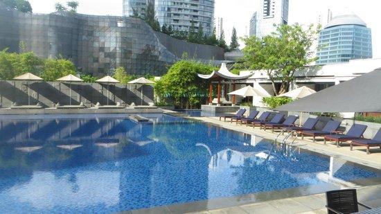 Singapore Marriott Tang Plaza Hotel: Singapore Marriott's Pool Area