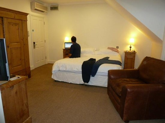 Sedlescombe Golf Hotel: bedroom, me & wi-fi