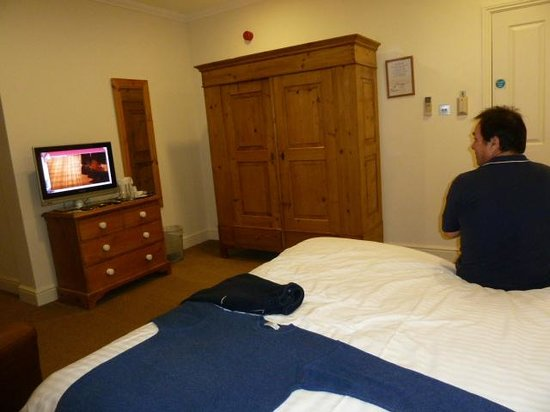 Sedlescombe Golf Hotel: bedroom & me