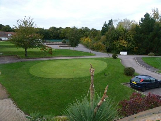 Sedlescombe Golf Hotel: putting green
