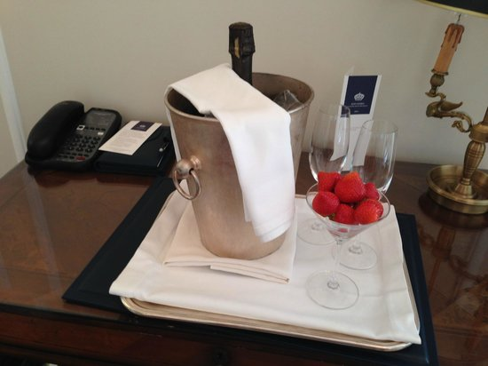 King George, A Luxury Collection Hotel: Grand Suite - Welcome gift for our 10th Anniversary