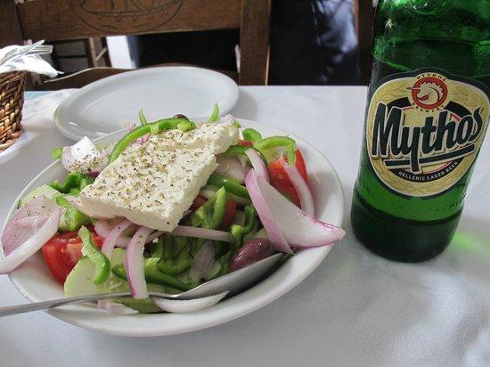Antoninis : salada grega