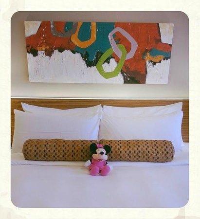 The Bellevue Manila: Room