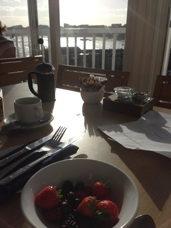 The Harbour : Breakfast with a view