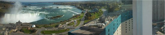 Embassy Suites by Hilton Niagara Falls Fallsview Hotel: Panoramic view from hotel room