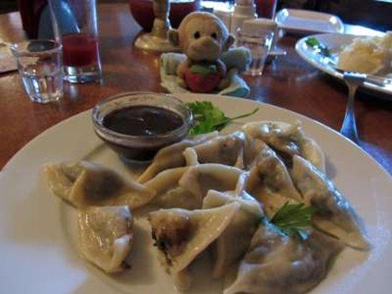 The Idiot Restaurant : Pelmini with stuffed mushroom and mushroom sauce