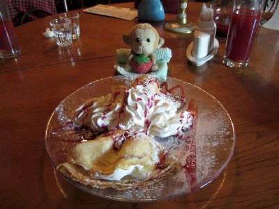The Idiot Restaurant : Pancake with ice-cream