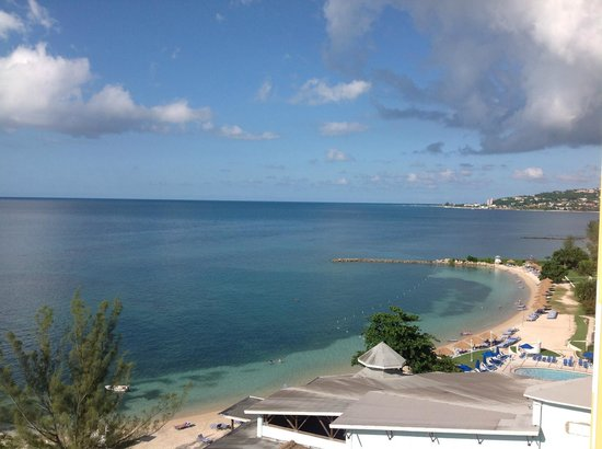 Sunscape Splash Montego Bay: View to the right of tower A