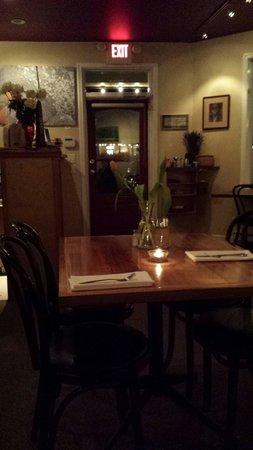 Auntie Pesto's Cafe: Dining room