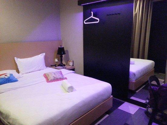the youniQ Hotel : medium room 2