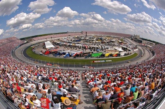 Holiday Inn Express Harrington: Dover International Speedway hosts NASCAR races twice a year
