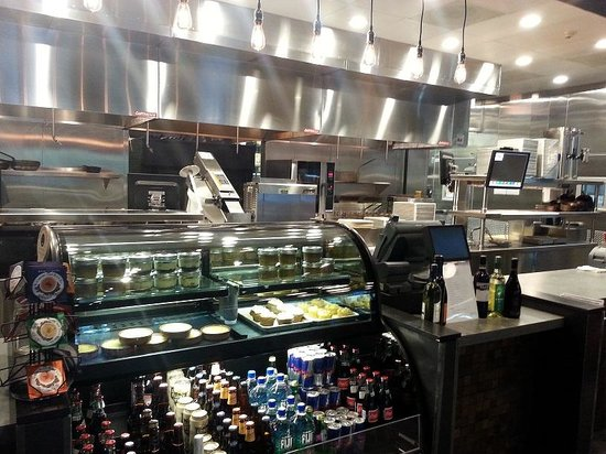 Fielding's Wood Grill: Sparkling, Spotless and Spot ON!