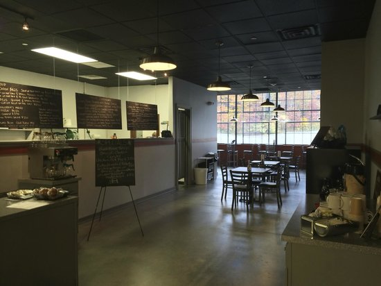 Lunchbox Cafe: Dining Room
