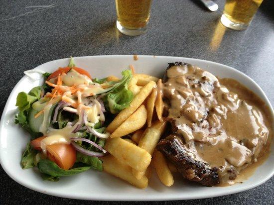 The Creekside Hotel : Steak