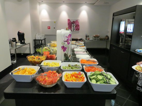 Park Inn by Radisson Oslo: breakfast buffet