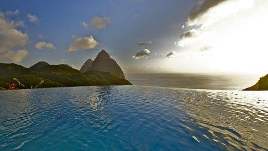 La Haut Resort : Infinity pool