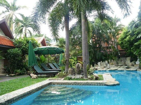 Le Prive Pattaya : pool