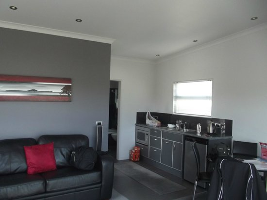 Martinborough Mews: Main room