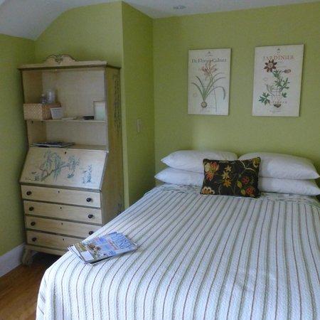 Madison Inn: Room 2 - standard double bed