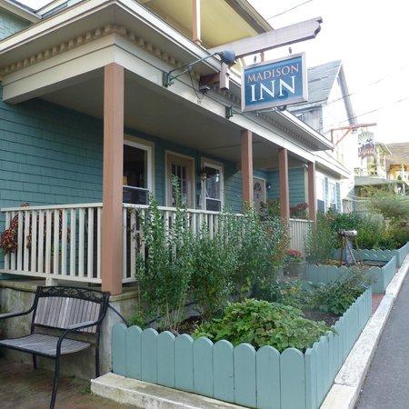 Madison Inn: Facade