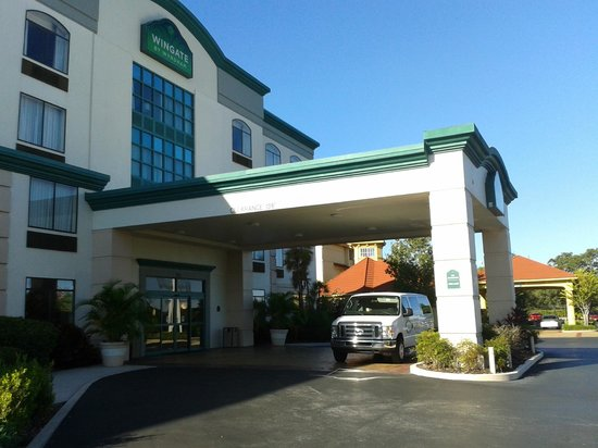 Wingate by Wyndham Tampa/At USF : Wingate - vista do estacionamento