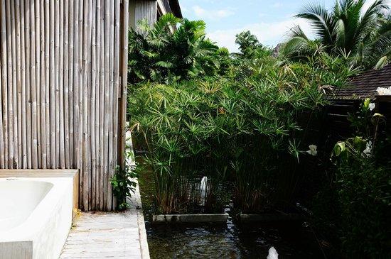 Silavadee Pool Spa Resort: 雖然是套房但隱密性夠