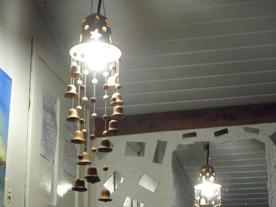 Albergue O Pharol: Luminária do quarto