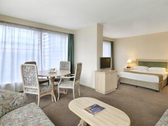 Hotel Mantra  St Kilda Road Room No