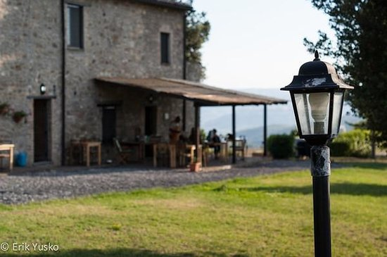 Antica Olivaia : Dining patio with Orvieto in the distance