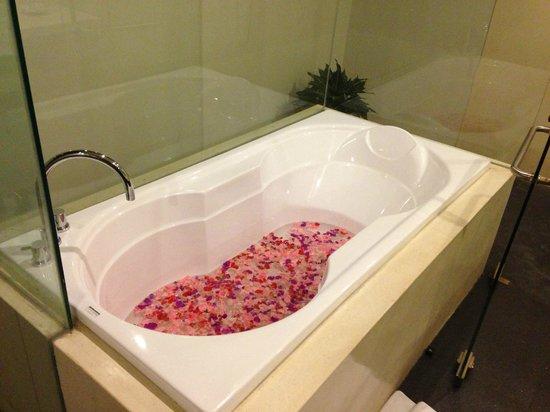 Destiny Villas: bathroom