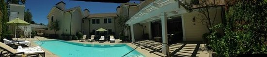 Fess Parker Wine Country Inn: View from the pool
