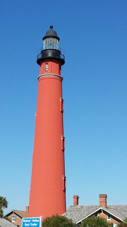 Ponce de Leon Inlet Lighthouse & Museum: Driving by.....