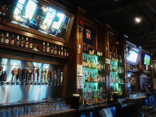 Pack's Tavern Bar